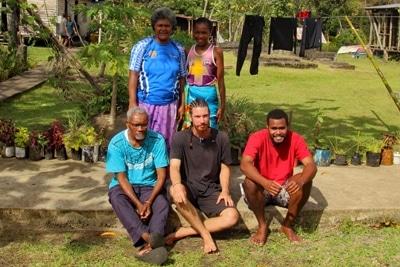 Fischerei in Mangrovenwäldern: Fidschi Research Team mit Karl Schrader.