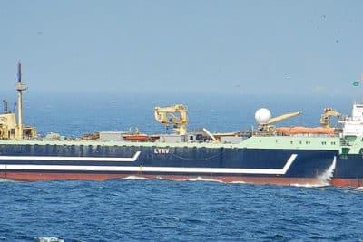 """Die """"Magiris"""", mit 143 m Länge der zweitgrößte Fabriktrawler der Welt. Foto: Blue Planet Society"""