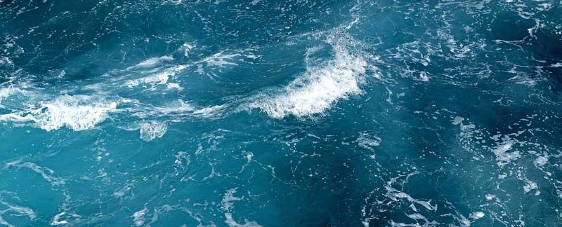 Der Ozean: Vom Weltall aus gesehen ist der Planet ein blauer.