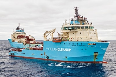 TheOceanCleanup System001B MaerskTransport Kutter.
