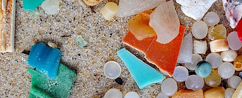 Mikroplastik an Frankreichs Atlantikküste.