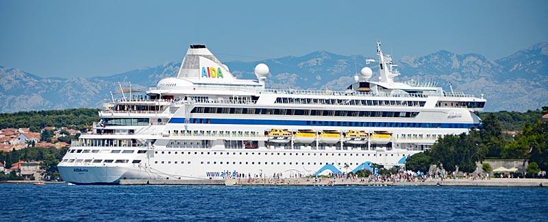 Die Aida Vita im Hafen von Zadar.