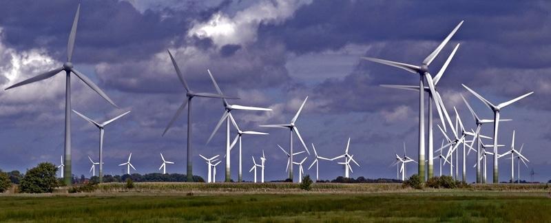 Windräder einer Windkraftanalge.